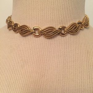 TRIFARI NECKLACE CHOKER STATEMENT GOLD TONE SWIRL